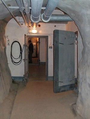 KP_Vild_-_Access_Tunnel_(9264256748).jpg