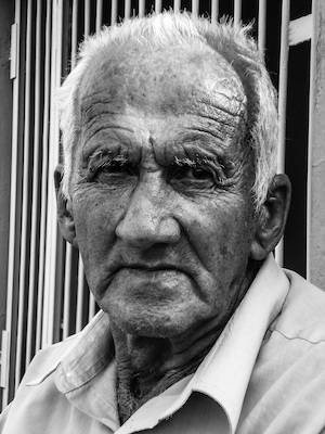 man-person-black-and-white-people-male-portrait-human-profession-monochrome-senior-citizen-face-sculpture-art-head-photograph-elderly-old-people-grandparent-monochrome-photography-632605.jpg